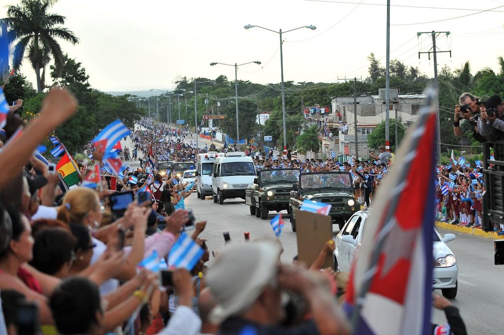 doan xe cho tro cot Fidel Castro anh 14