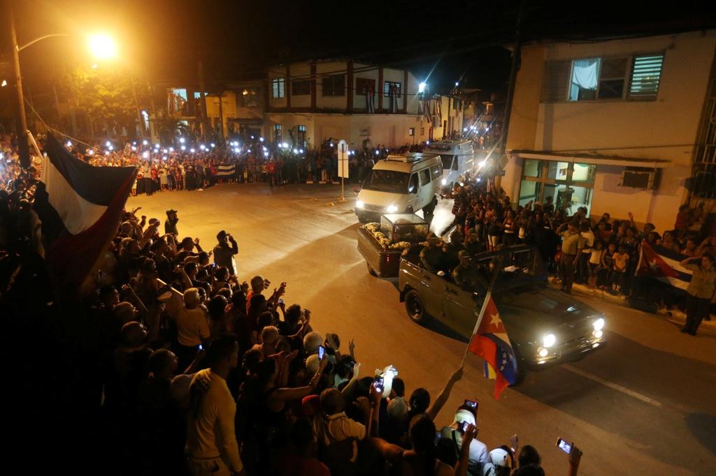doan xe cho tro cot Fidel Castro anh 8