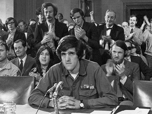 John Kerry phan doi chien tranh Viet Nam anh 3