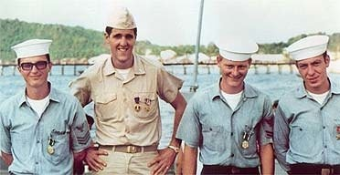 John Kerry phan doi chien tranh Viet Nam anh 2