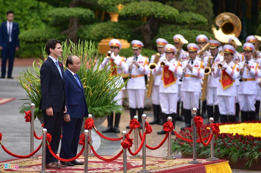 Thu tuong Nguyen Xuan Phuc hoi dam voi Thu tuong Canada Trudeau hinh anh 1