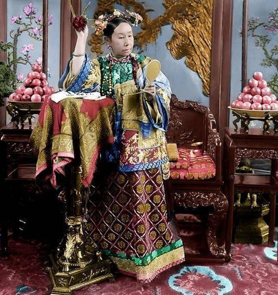 Tham cung co su: Nhung chuyen chua ke ve Tu Hi Thai hau hinh anh 2