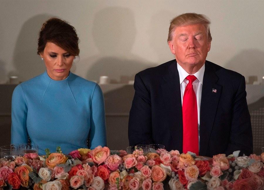 Them tiet lo soc vu sao khieu dam nhan tien tu ong Trump hinh anh 4
