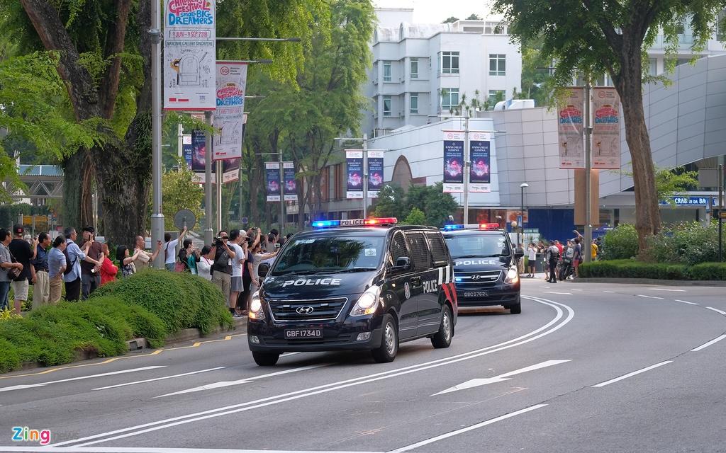 Doan xe cua Kim Jong Un vuot con duong sam uat nhat Singapore hinh anh 4