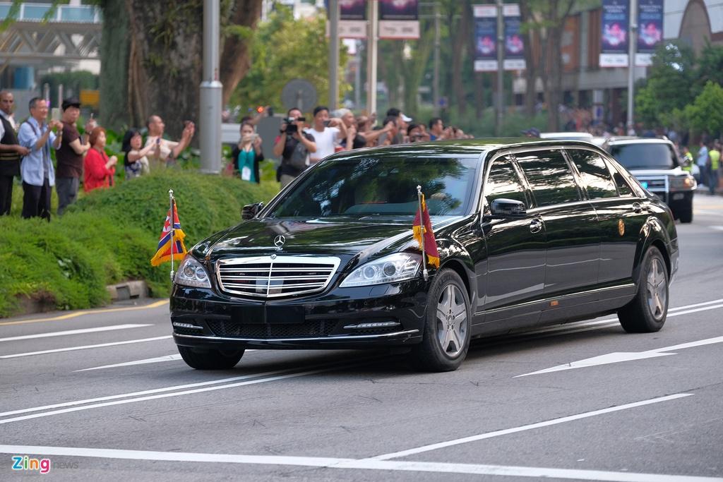Doan xe cua Kim Jong Un vuot con duong sam uat nhat Singapore hinh anh 1