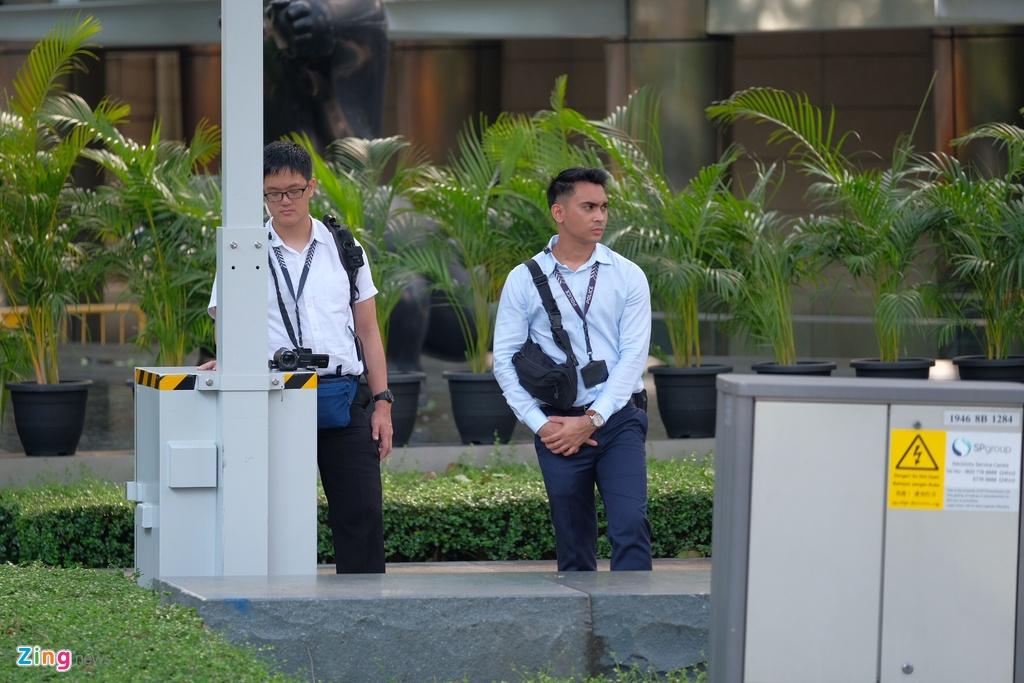 An ninh day dac bao ve khach san noi Kim Jong Un luu tru hinh anh 7