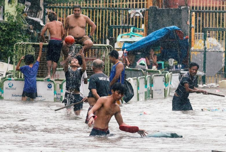 Nguoi Philippines vat lon voi lut vi bao Son Tinh hinh anh 9