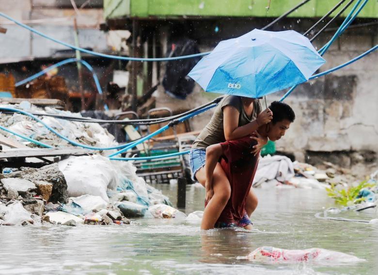 Nguoi Philippines vat lon voi lut vi bao Son Tinh hinh anh 3