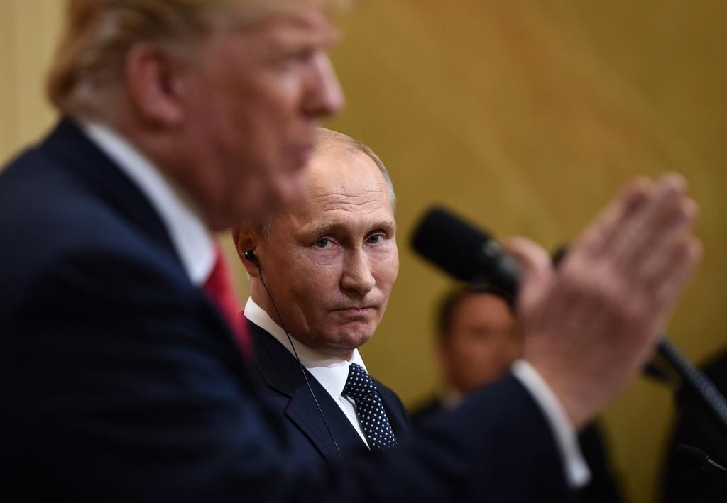 Trump bat ngo doi giong: Hoa diu voi EU, cung ran voi Nga hinh anh 3