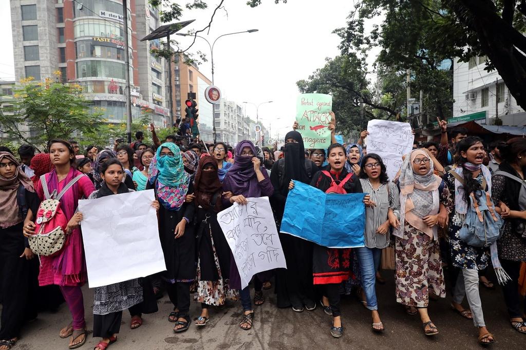 Bieu tinh Bangladesh - vu tai nan lam te liet thanh pho 18 trieu dan hinh anh 10