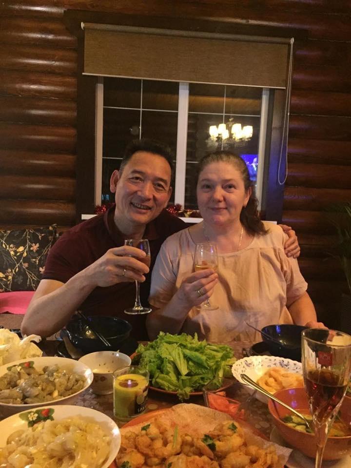Cha thu mon Van Lam: 'Chau da danh doi 8 nam de co 90 phut chung ket' hinh anh 2