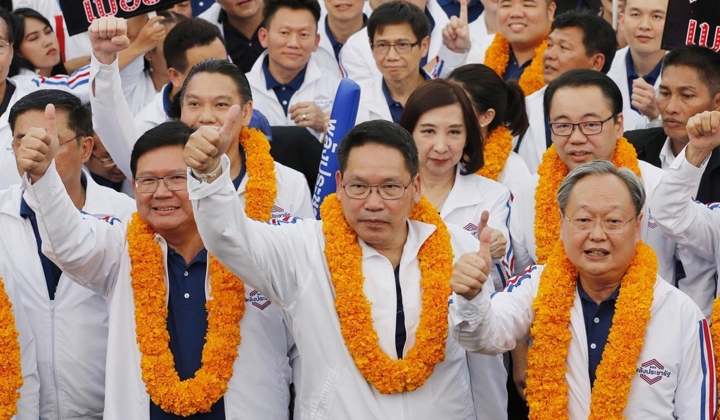 Cu soc cho phe Thaksin truoc chien thang can ke cua phe quan doi hinh anh 2