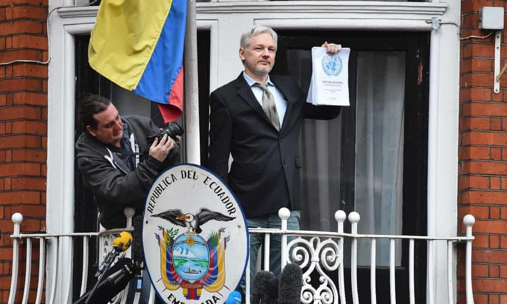 julian assange da that sung the nao anh 1