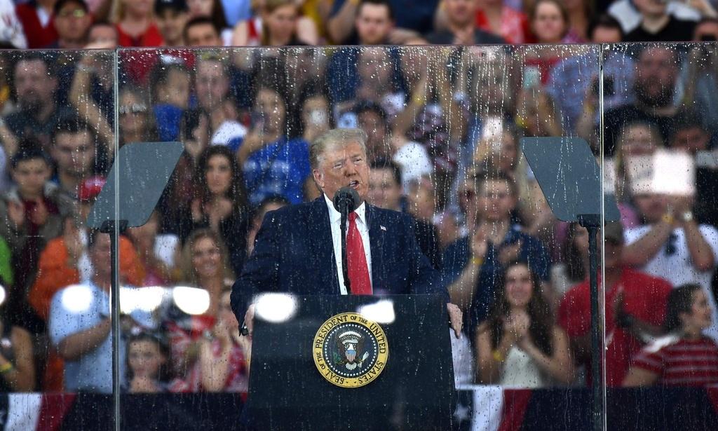 Tong thong Trump tuyen bo trong mua: My se cam co tren sao Hoa hinh anh 2