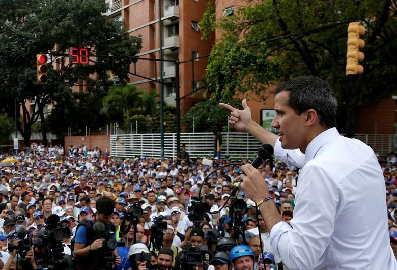 TT Maduro pho truong suc manh quan su trong le mung quoc khanh hinh anh 5