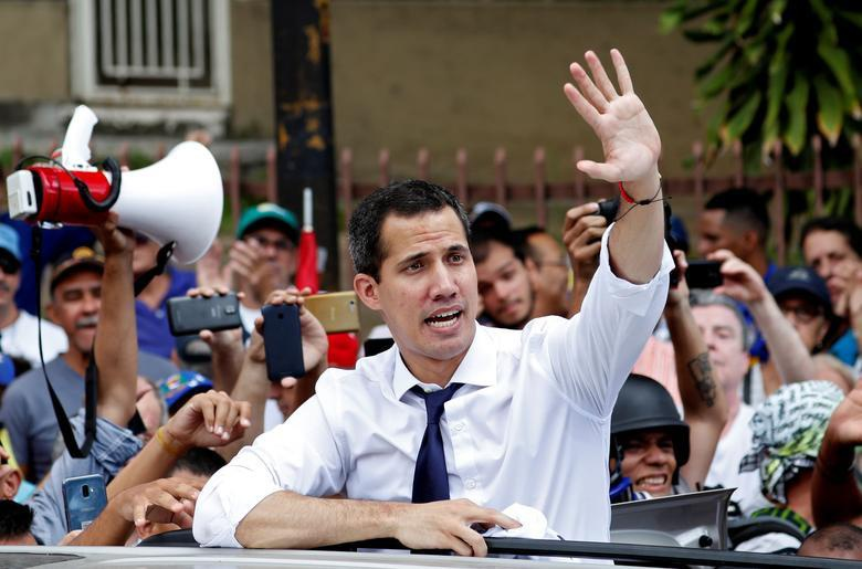 TT Maduro pho truong suc manh quan su trong le mung quoc khanh hinh anh 6
