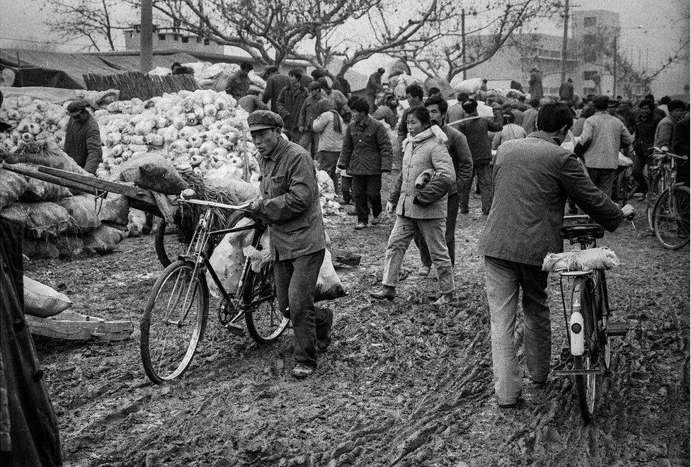 Trung Quoc thap nien 1980 khi vua moi mo cua kinh te hinh anh 1