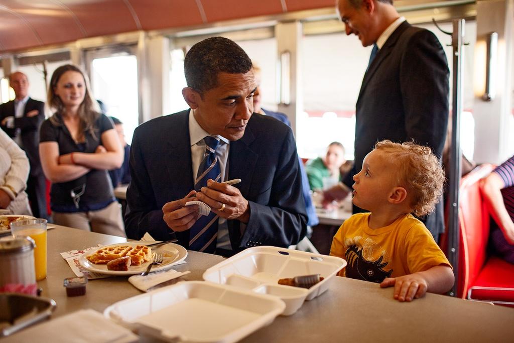 Goc sau kin cua ong Obama qua anh hau truong chua tung cong bo hinh anh 6