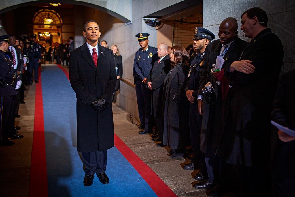 Goc sau kin cua ong Obama qua anh hau truong chua tung cong bo hinh anh 9