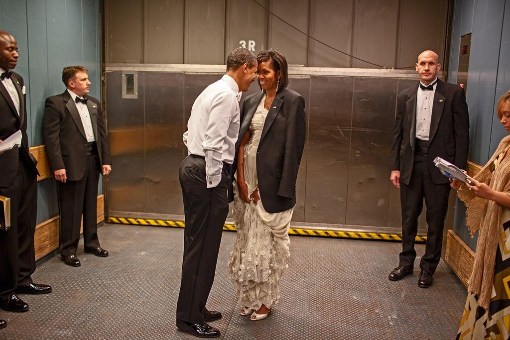 Goc sau kin cua ong Obama qua anh hau truong chua tung cong bo hinh anh 10