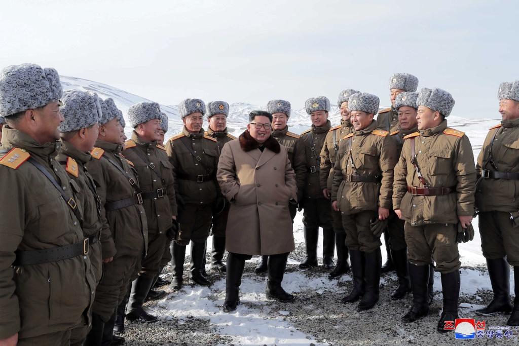 Ong Kim tham nui thieng, keu goi chong 'be lu de quoc' hinh anh 4 kju-cuoingua_(6).jpg