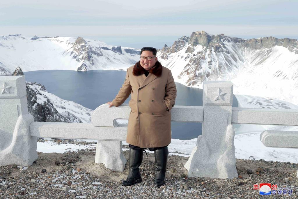 Ong Kim tham nui thieng, keu goi chong 'be lu de quoc' hinh anh 5 kju-cuoingua_(7).jpg