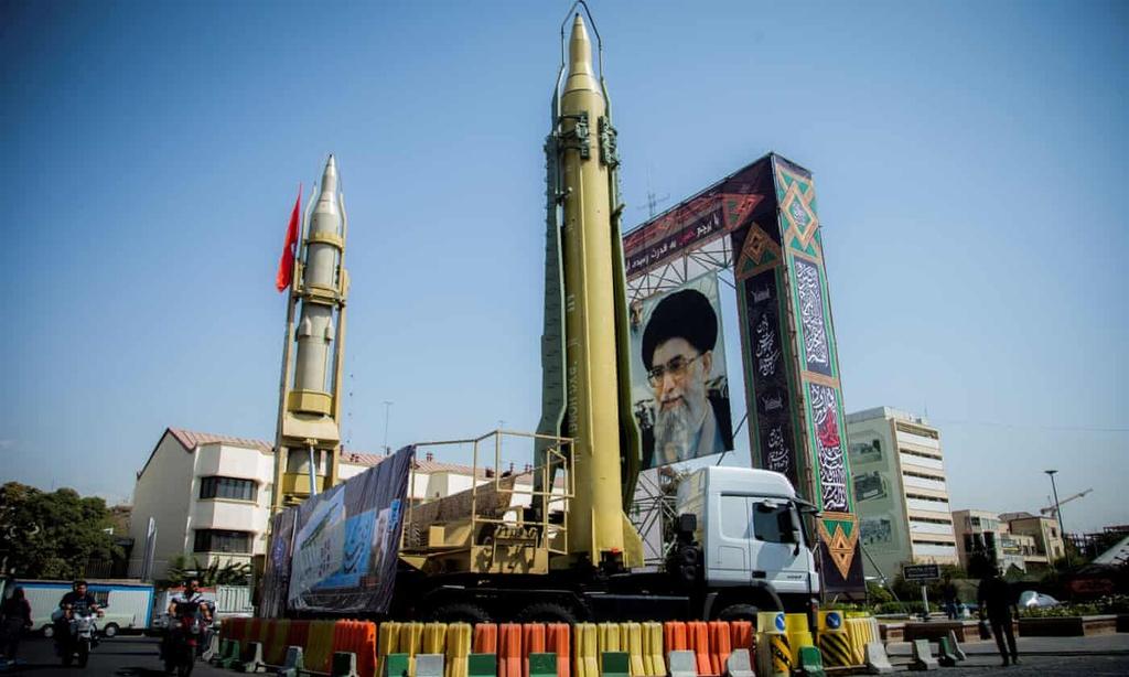 Iran na hon 13 ten lua dan dao vao hai can cu My o Iraq hinh anh 4 3500_13_.jpg