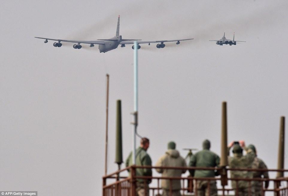 B-52 My chao lieng ap sat khong phan Trieu Tien hinh anh 4