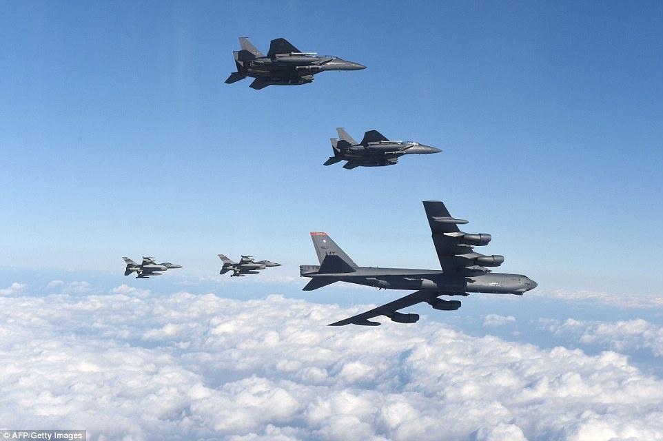 B-52 My chao lieng ap sat khong phan Trieu Tien hinh anh 7
