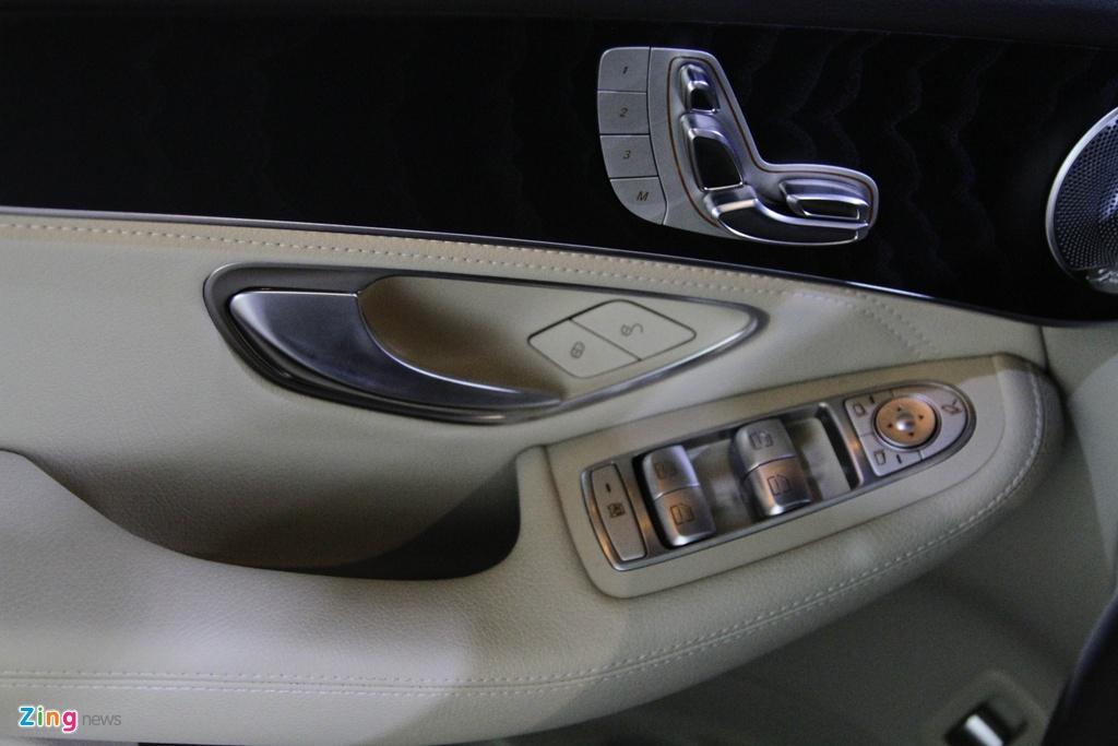 Chi tiet Mercedes-Benz GLC 300 gia 1,9 ty dong vua ra mat hinh anh 15
