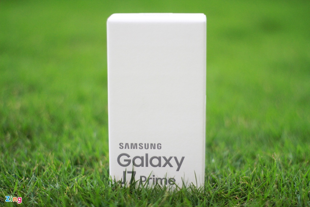 Mo hop Galaxy J7 Prime vua len ke, gia 6,3 trieu dong hinh anh 1