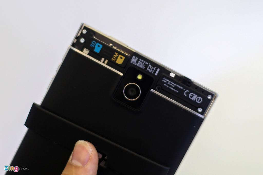 Blackberry Passport gia 5 trieu anh 4
