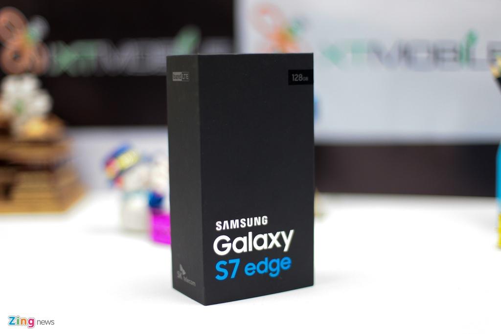 Anh Samsung Galaxy S7 edge mau den bong dau tien tai VN hinh anh 1