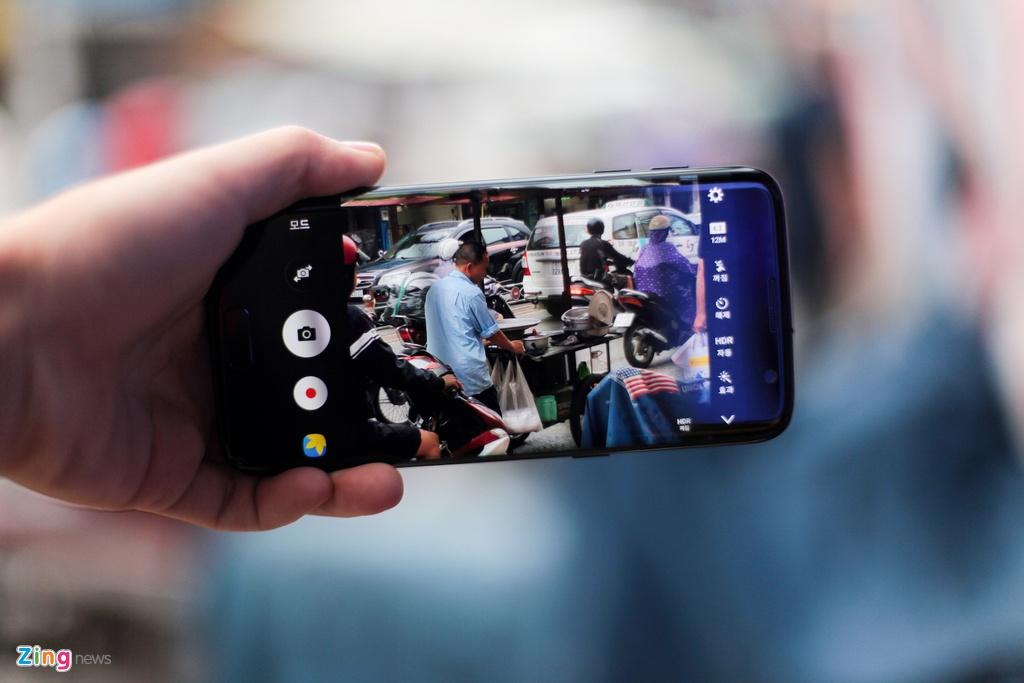 Anh Samsung Galaxy S7 edge mau den bong dau tien tai VN hinh anh 12