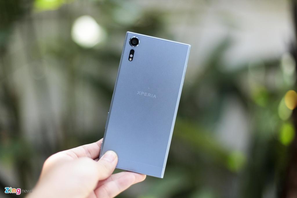 Anh thuc te Sony Xperia XZs gia 14,9 trieu tai Viet Nam hinh anh 6