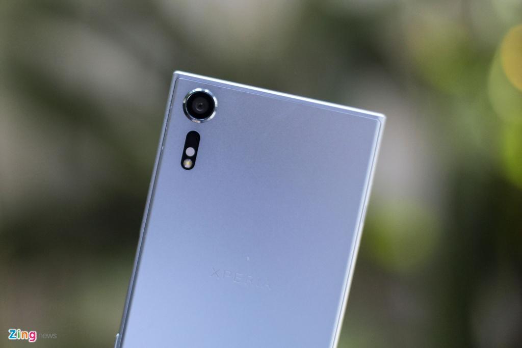 Anh thuc te Sony Xperia XZs gia 14,9 trieu tai Viet Nam hinh anh 10