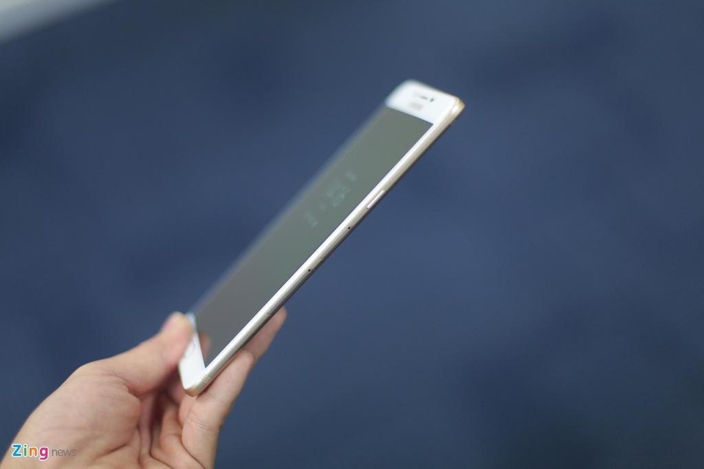 Anh smartphone RAM 6 GB dau tien cua Samsung sap ban tai VN hinh anh 7