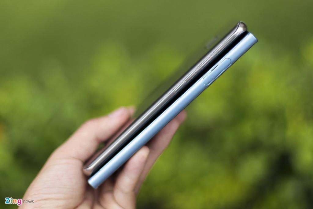 So Xperia XZs voi Galaxy S8: Nguoi bao thu, ke tan thoi hinh anh 4