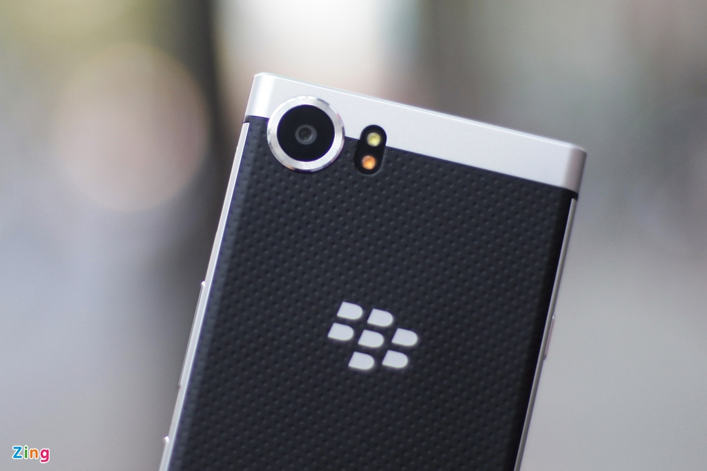 BlackBerry KeyOne anh 5