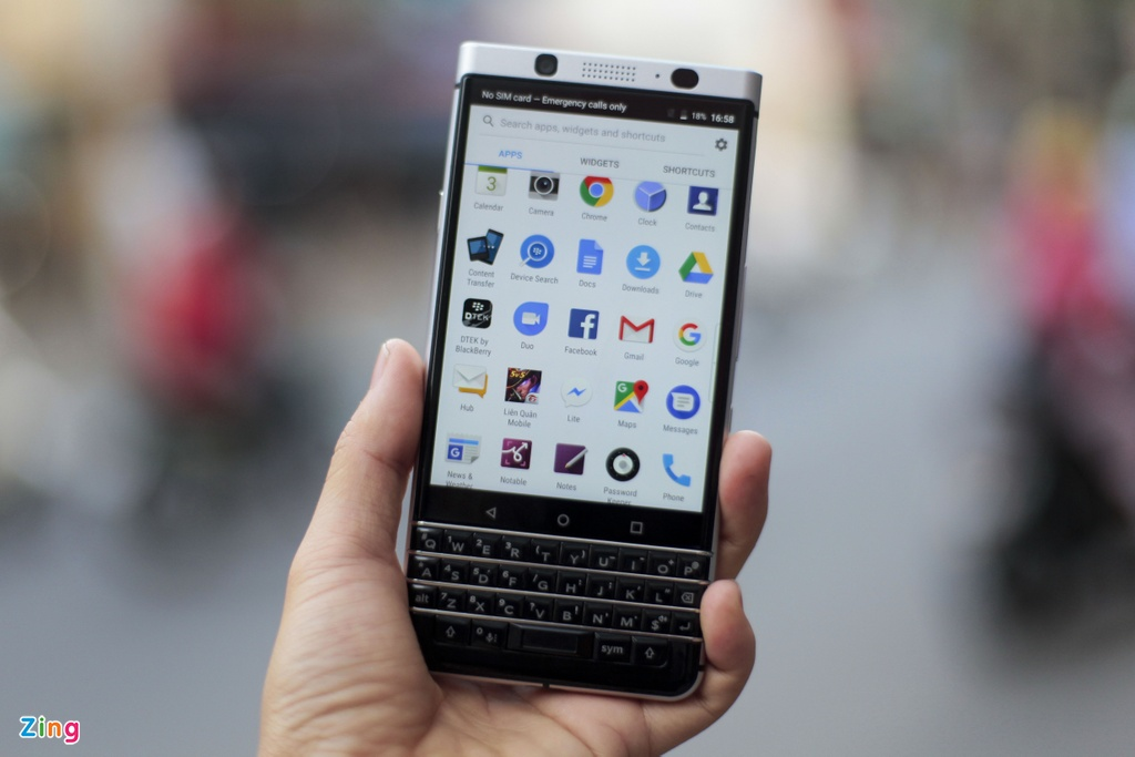 BlackBerry KeyOne anh 10