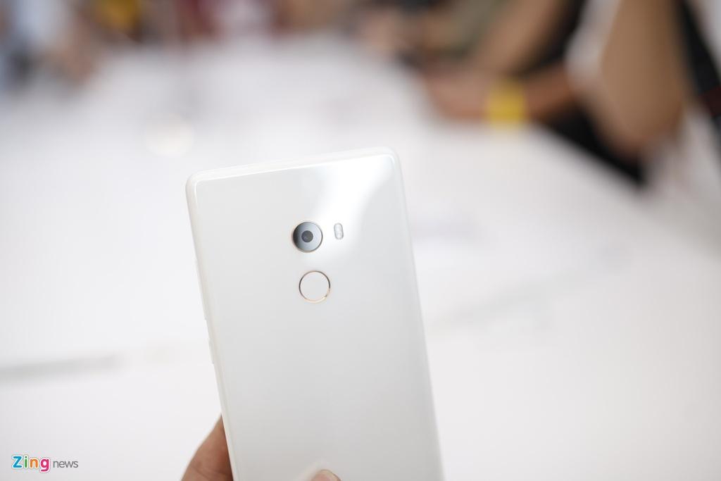 Anh Xiaomi Mi Mix 2: Thiet ke khong vien, hoan thien cao hinh anh 3