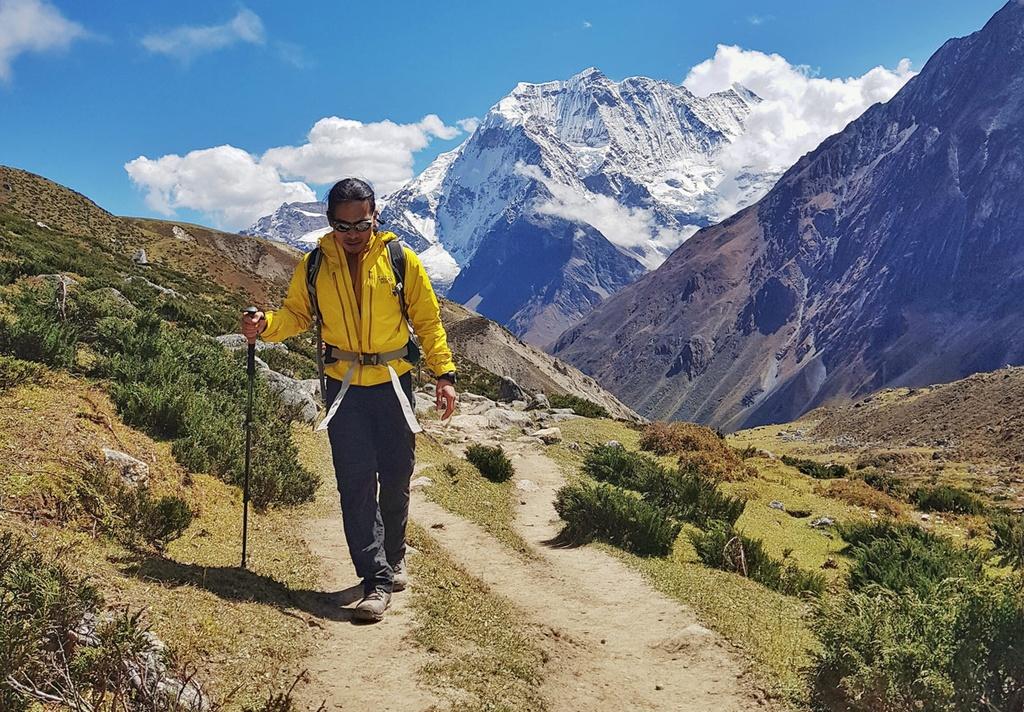 Chang trai Viet ke ve hanh trinh 8 lan chinh phuc Himalaya hinh anh 2