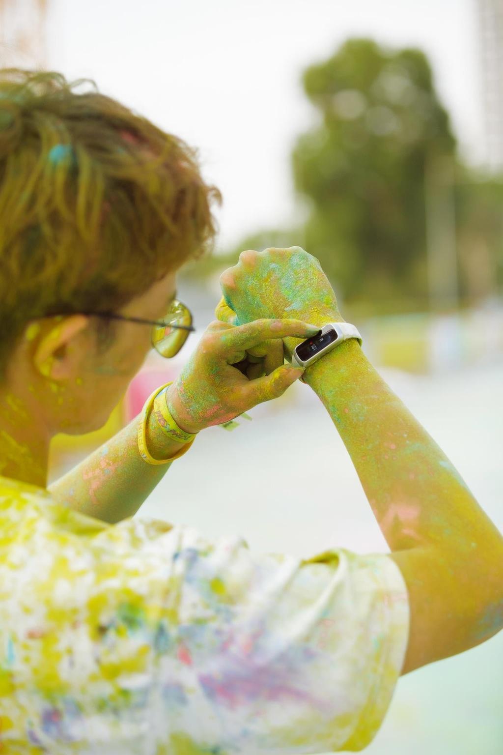 Duong chay Color Me Run day mau sac nhung day moi la dieu noi bat nhat hinh anh 21
