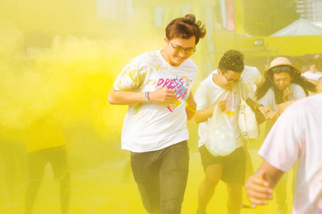 Duong chay Color Me Run day mau sac nhung day moi la dieu noi bat nhat hinh anh 3