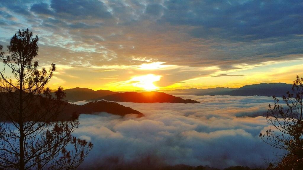 Trekking san may va 4 trai nghiem hap dan chi co o Philippines hinh anh 9