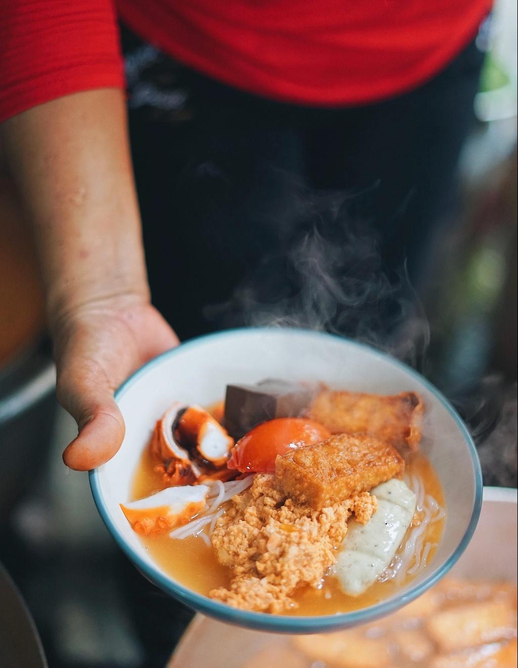 Mon bun hut khach tai Sai Gon anh 2