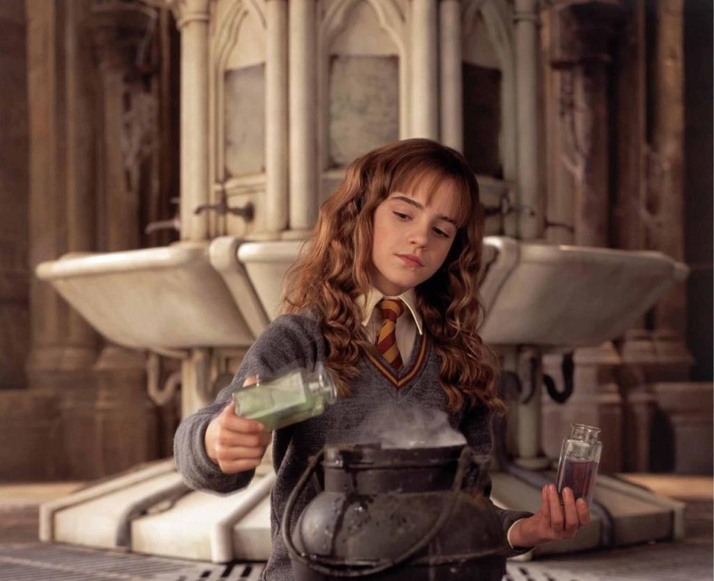 Emma Watson da truong thanh tren man anh nhu the nao? hinh anh 2