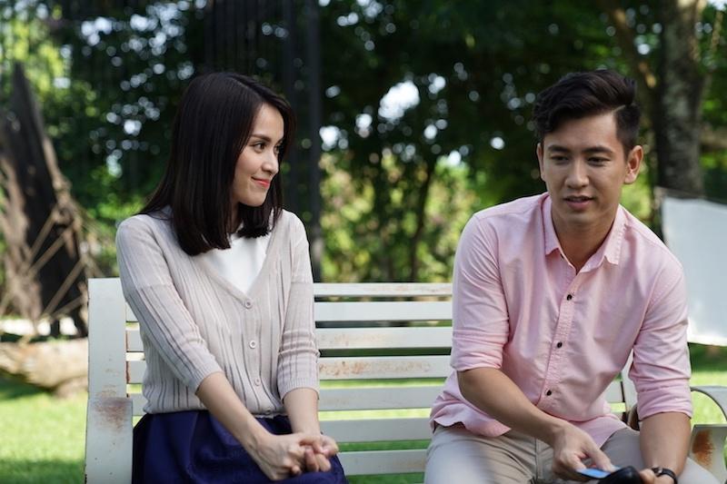 Angela Phuong Trinh va Rocker Nguyen hon say dam ngay tap 1 'Glee' hinh anh 4
