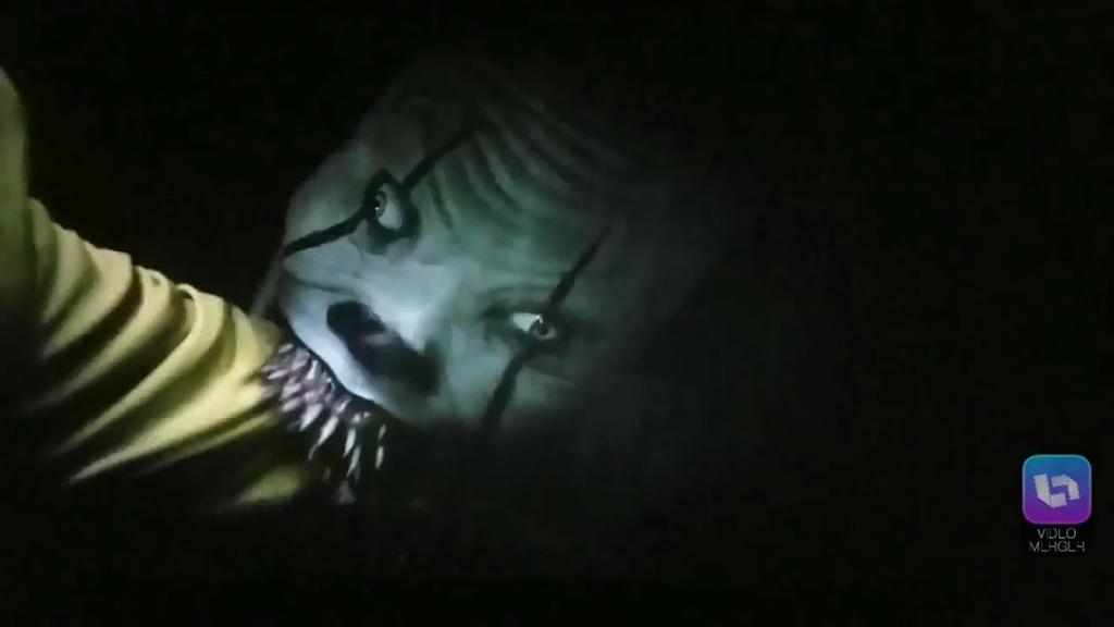 Canh quay ghe ron nhat trong the gioi phim kinh di cua Stephen King hinh anh 9