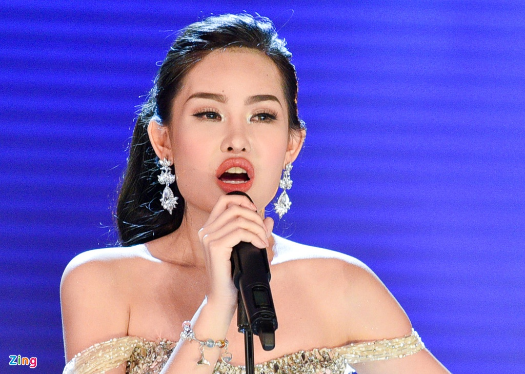 Tan Hoa hau Dai duong: 'Toi da sua mui nhung moi la tu nhien' hinh anh 3